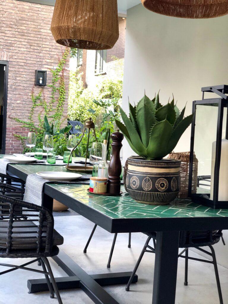 tafel groene tegels