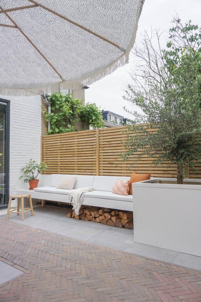 zwevende bank tuin